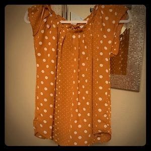 CLASSY POLKA DOTTED BRAND NEW LAUREN CONRAD TOP!